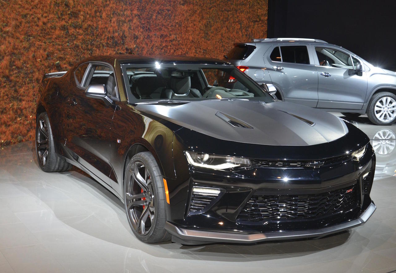 Camaro chevy camaro ss 1le : Track-focused Sixth-gen Camaro 1LE makes it debut in Chicago - VetteTV